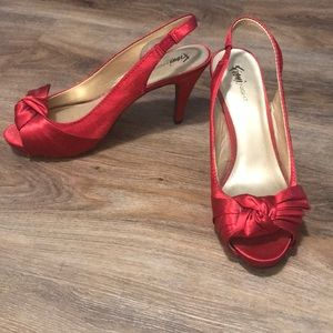FIONI Clothing Shoes - Red Heels
